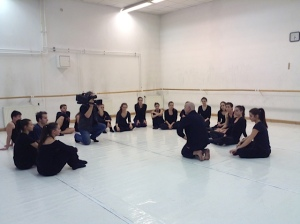 Doug Varone talks with students at the Hungarian Dance Academy after teaching.